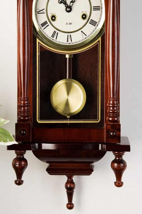 Dekorativní dřevěné kyvadlové hodiny pro babičku a dědu