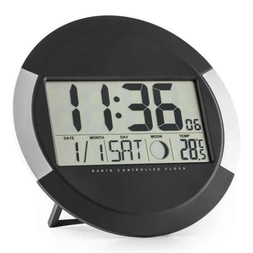 Černo-stříbrné digitální nástěnné hodiny s teploměrem