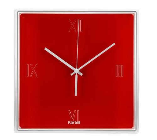 Červené čtvercové nástěnné hodiny