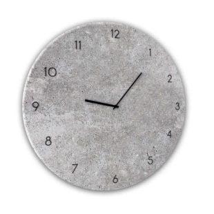 Skleněné nástěnné hodiny v impozantním designu