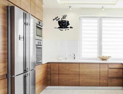 Černé designové hodiny do kuchyně