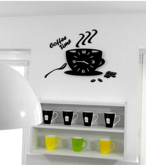 cerne-sklenene-hodiny-na-zed-kava