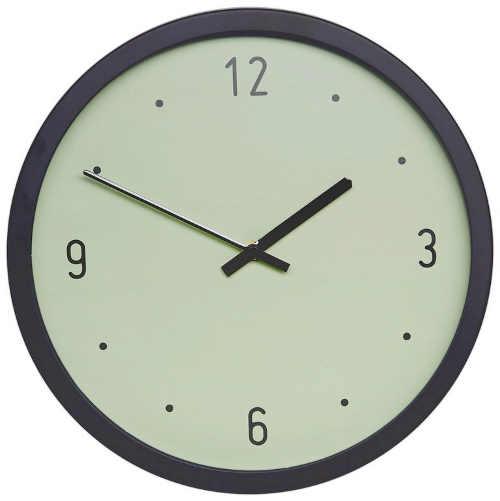 stylové nástěnné hodiny v zajímavém designu