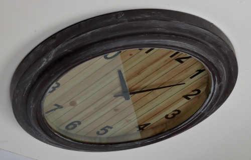 Designové nástěnné hodiny retro vzhled