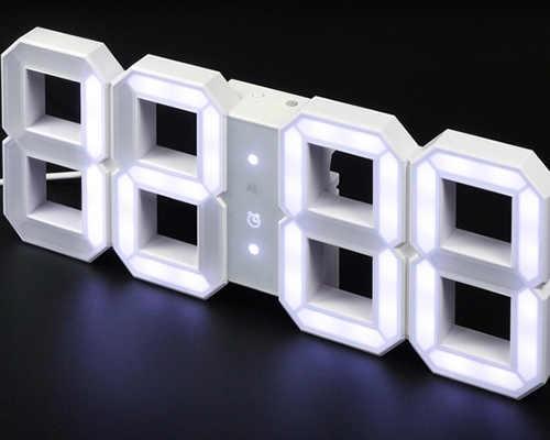 Svítící analogové nástěnné hodiny do moderních interiérů