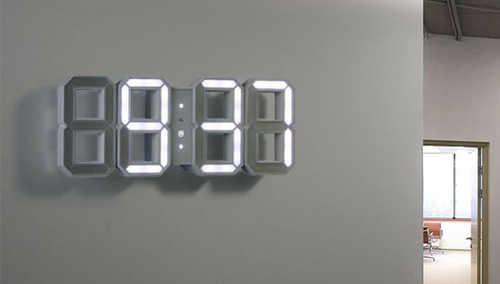 Velké analogové svítící LED hodiny na stěnu