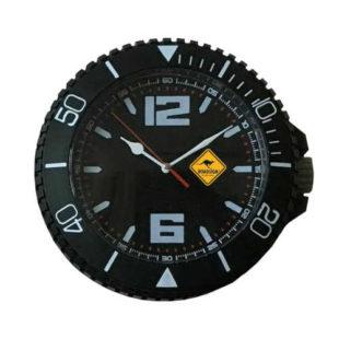 Černé nástěnné hodiny v originálním designu