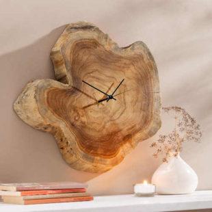 Originální model nástěnných hodin ze dřeva