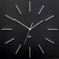 Velké nástěnné hodiny v elegantním designu