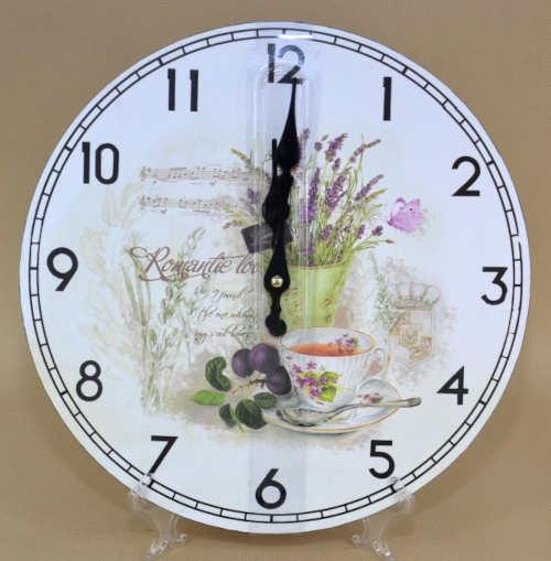 Dřevěné nástěnné hodiny do kuchyně s levandulí