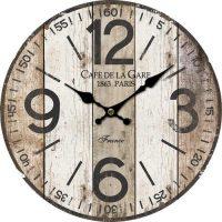 Dřevěné kulaté hodiny v zajímavém designu