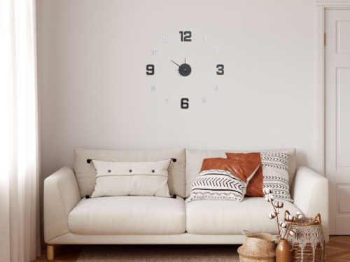 moderní hodiny samolepící na zeď